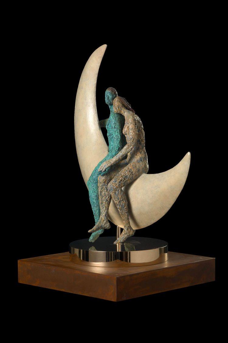 Cavalcando-la-Luna-(Piccola)---H-59-x-53-x-27-cm