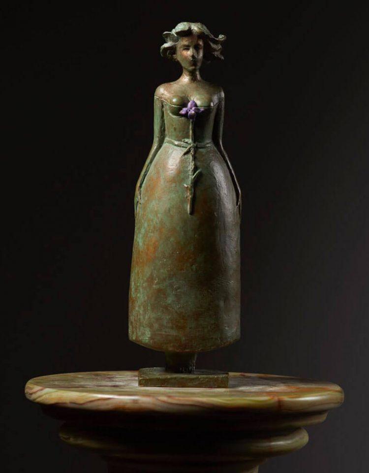 Fiorenza---8x8xH25,5cm---Multiplo-in-bronzo-75-esemplari--