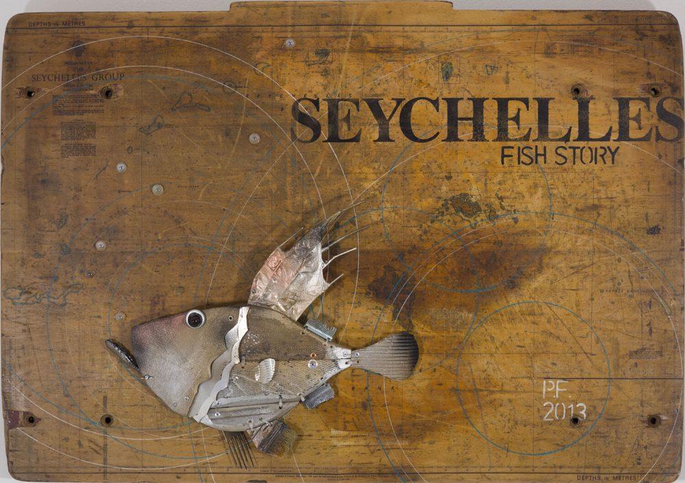 Seychelles-fish-story---72x103cm---2013---Tecn-mista-con-materiali-di-riciclo