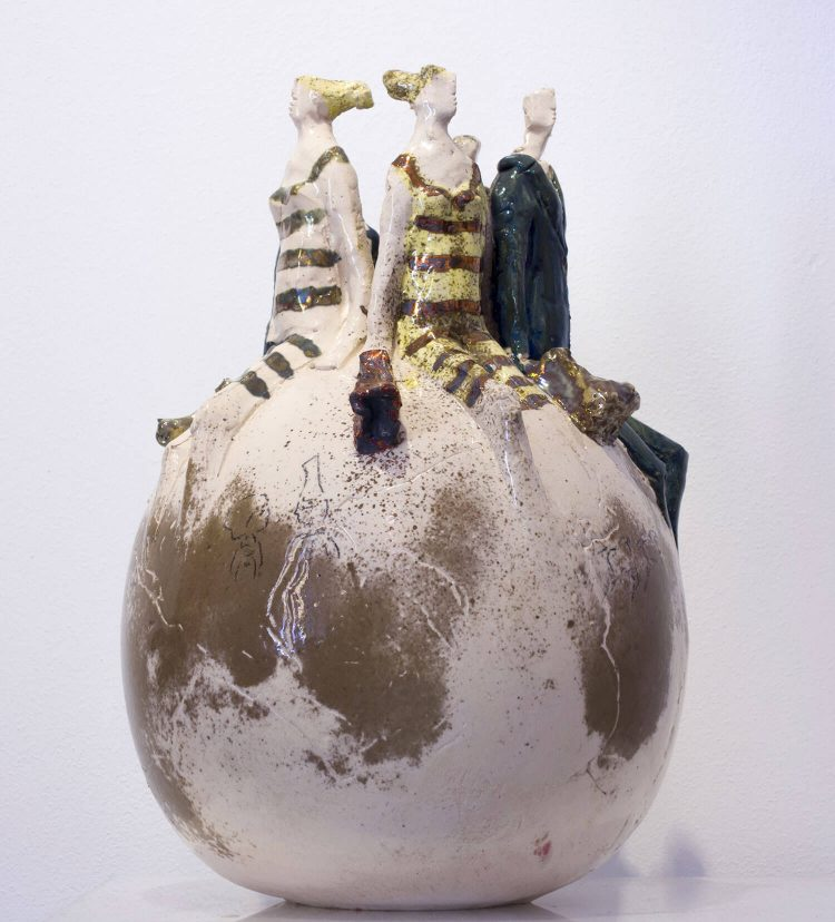 Sfera-con-Personaggi---Altezza-44cm---2015---Ceramica