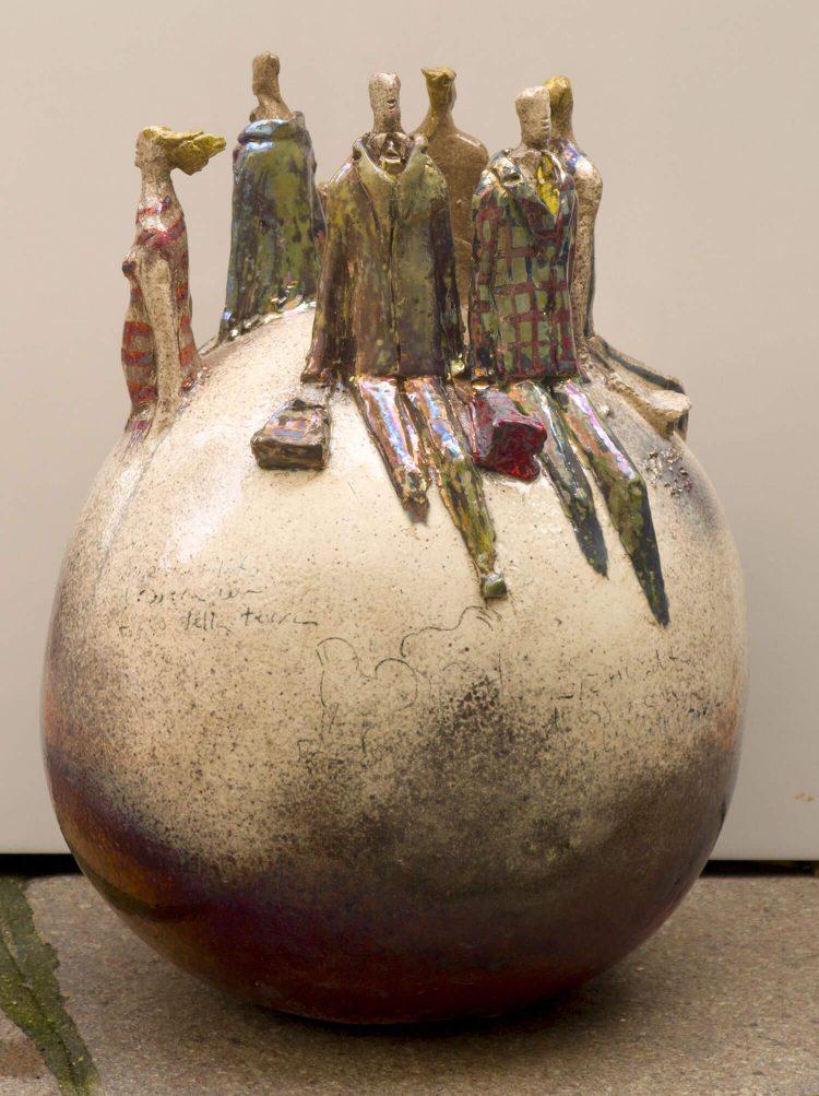 Vaso-con-personaggi---Altezza-46cm---2015---Ceramica